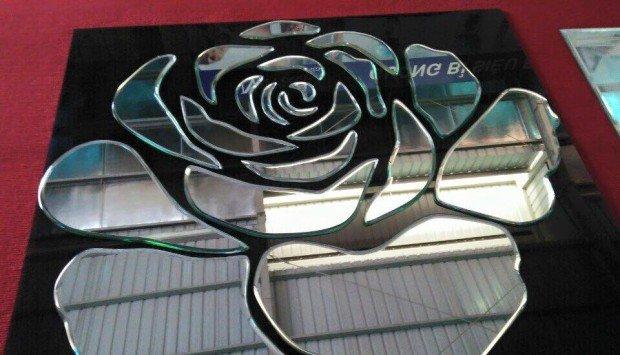 Gương nghệ thuật hoa hồng Navado phòng khách đẹp