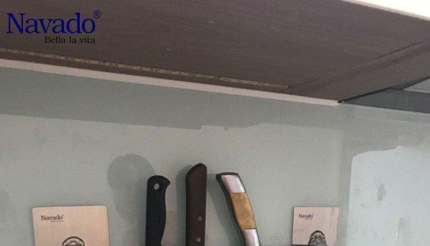 Trang trí nội thất với phụ kiện inox phòng bếp không khoan tường