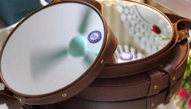 Gương tròn da bò cho bàn trang điểm