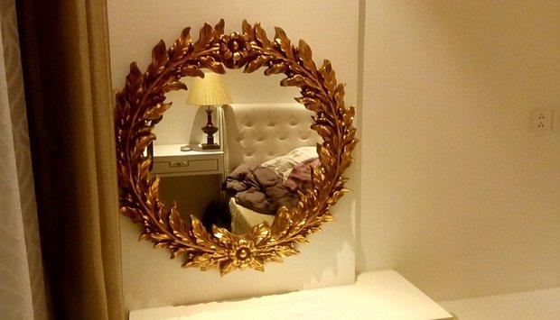 """Gương bàn trang điểm """"xinh đẹp"""" cho chị em"""