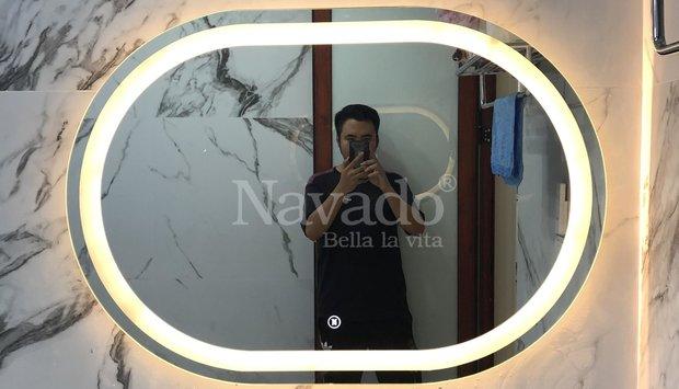 Gương bỉ cắt theo kích thước bàn đá phòng tắm