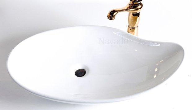 Mẫu chậu sứ nhà tắm Lavabo nghệ thuật giúp không gian trở nên độc đáo