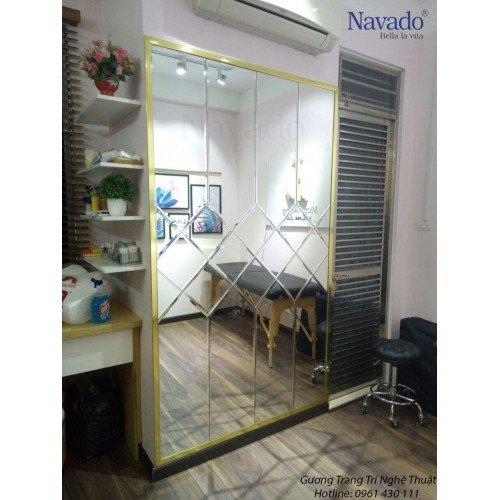 Gương ghép tường ô phòng khách