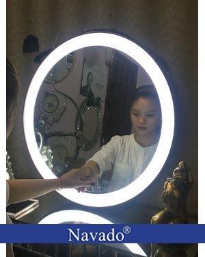 Gương đèn led bàn trang điểm cảm ứng 60cm