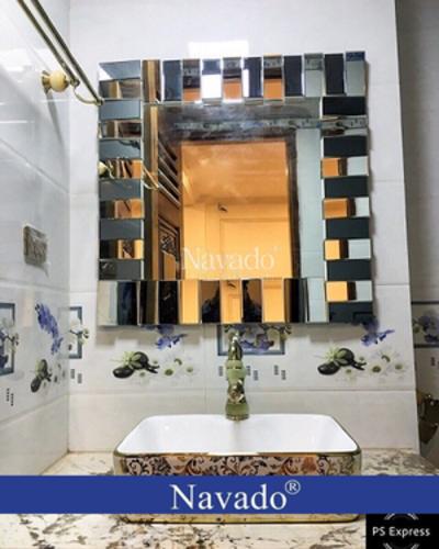 Gương treo phòng tắm The Word