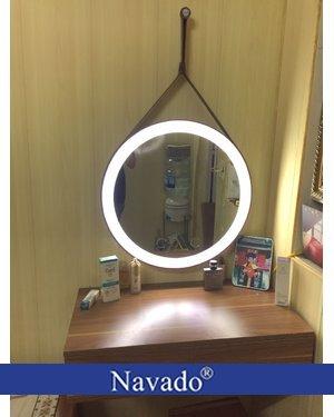 Gương trang điểm bọc dây da có đèn led 60cm