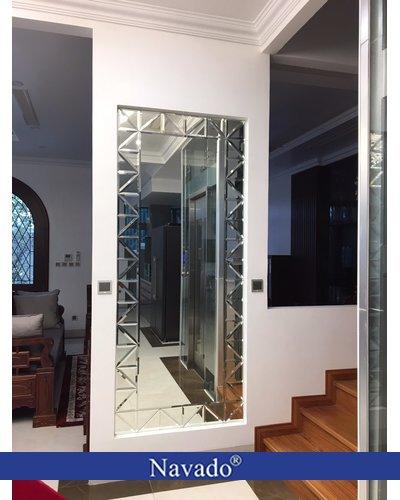 Gương phòng khách soi toàn thân nghệ thuật navado