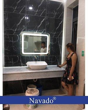 Gương thiết bị vệ sinh cao cấp led hắt Navado