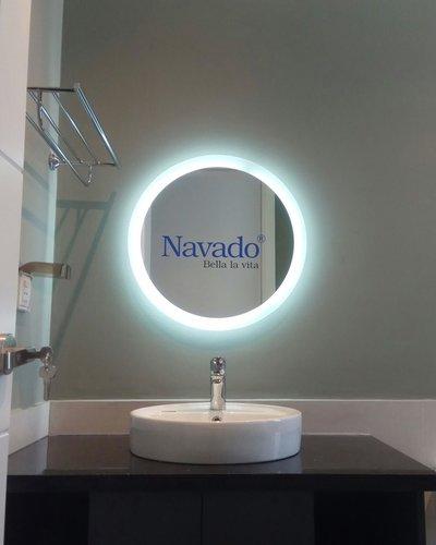 Gương đèn led tròn hắt phòng tắm cao cấp Navado