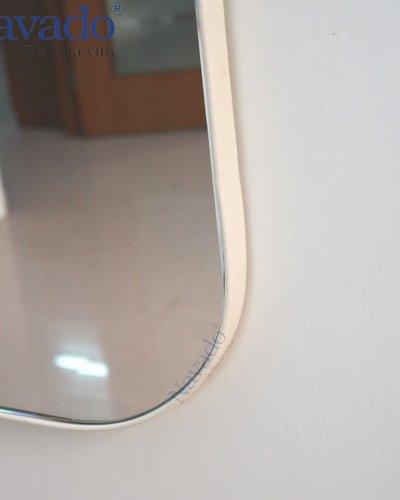 Gương trang điểm khung thép bọc da
