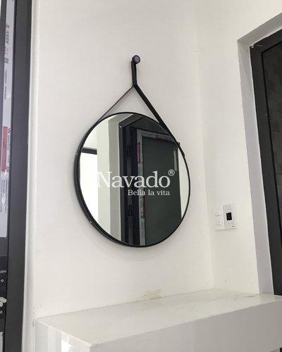 Gương phòng tắm tròn treo dây da 60cm