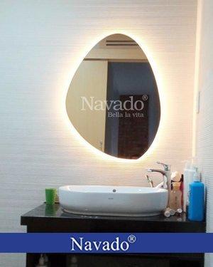 Gương trang điểm phòng tắm đèn led độc đáo