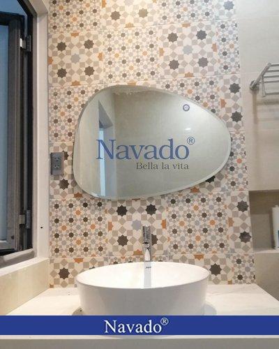 Gương decor phòng tắm đẹp Nav109C