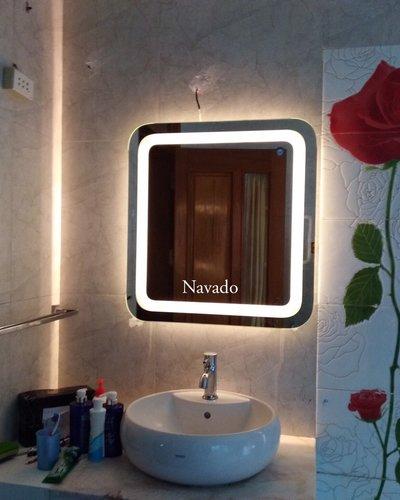 Gương đèn led phòng tắm bo góc
