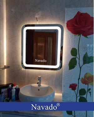 Gương soi treo tường đèn led phòng tắm