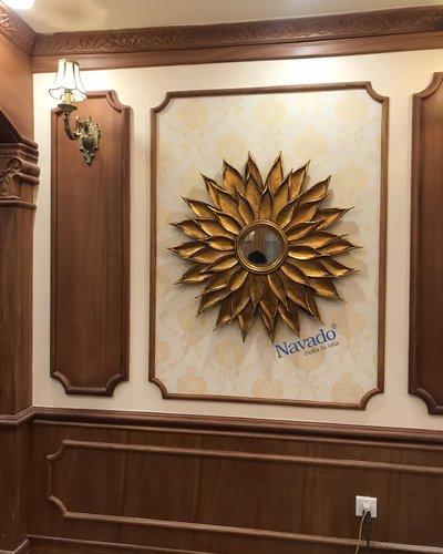 Gương treo tường phòng khách tân cổ điển Hemera