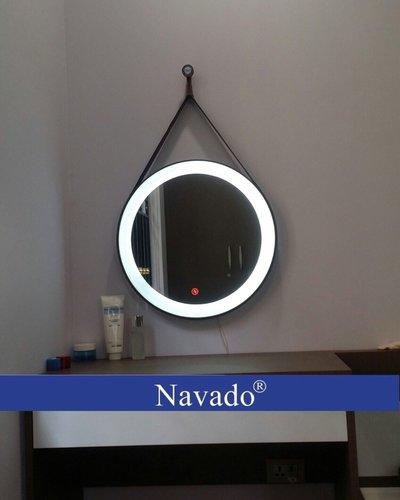 Gương đèn led treo dây da (cảm ứng)