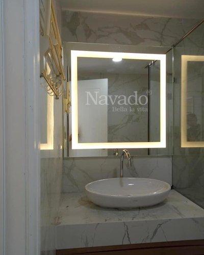 Gương nhà tắm đèn led vàng bo góc