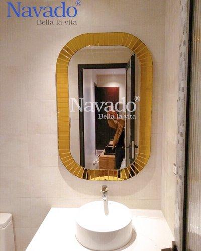 Gương decor phòng tắm khung gương vàng