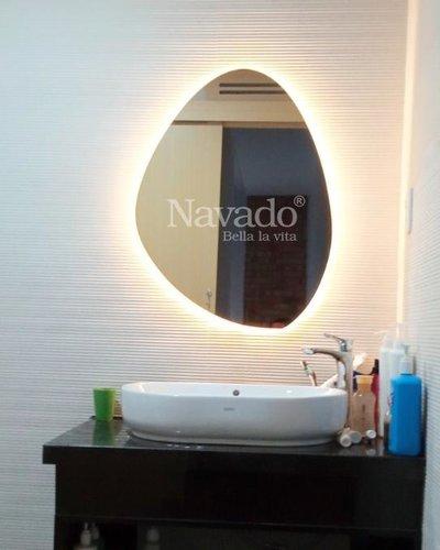 Gương phòng tắm đèn led hình viên đá