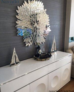 Gương ghép tường phòng khách nghệ thuật lá tự nhiên