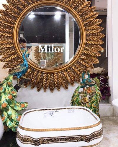 Gương trang trí phòng khách tân cổ điển Gea