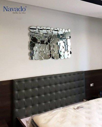 Gương treo phòng khách decor Maimer