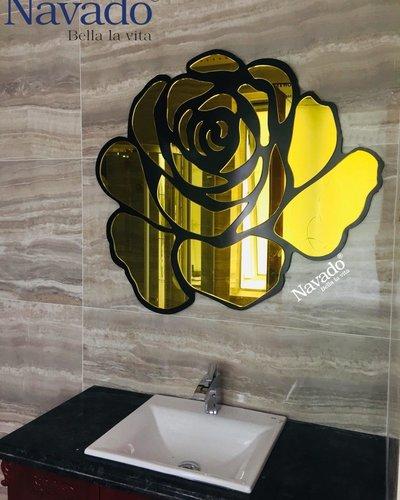 Gương trang trí nội thất phòng khách hoa hồng vàng