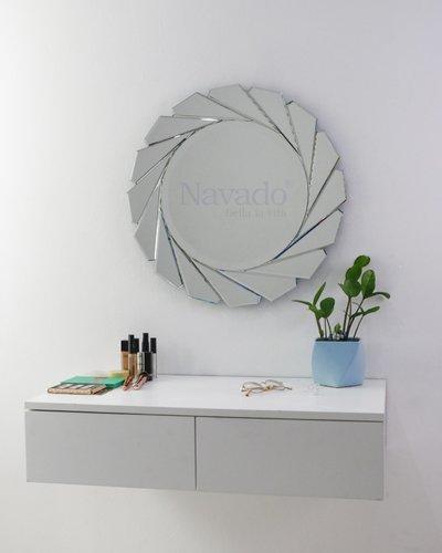 Gương treo tường phòng ngủ Diana 60cm