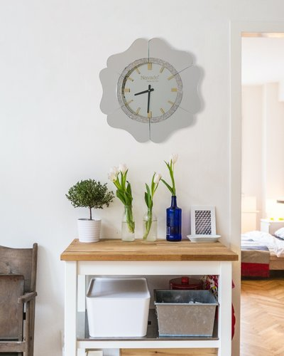 Đồng hồ trang trí treo tường Gerber white